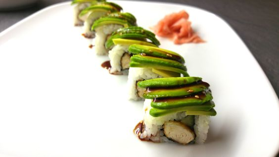 Lust auf Sushi, aber mit Fleisch? Teriyaki Hähnchen mit Avocado!