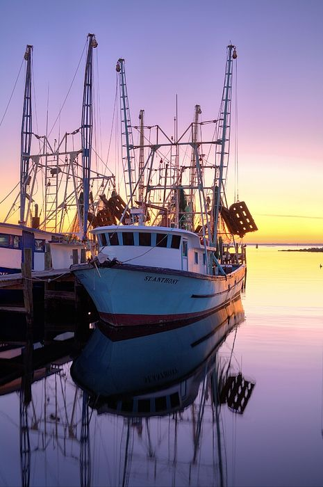 The saint anthony boats colors and water reflections for Commercial fishing florida