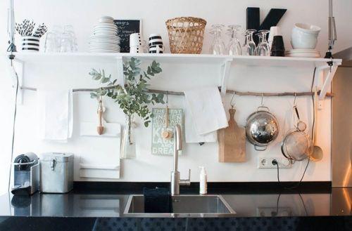 10 Kreative Einrichtungsideen Fur Die Kuche Die Einrichtungsideen Fur Kreative Kuche Eklektische Kuche Regal Kuche Kuche Einrichten