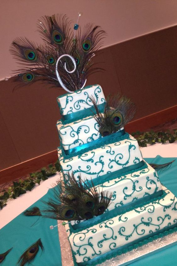 Peacock wedding cake- like some PARTS of this