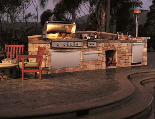 Outdoor Küche Mit Grill Stein Konstruktion Holz | Grillplatz | Pinterest | Outdoor  Küche, Grill Und Outdoor