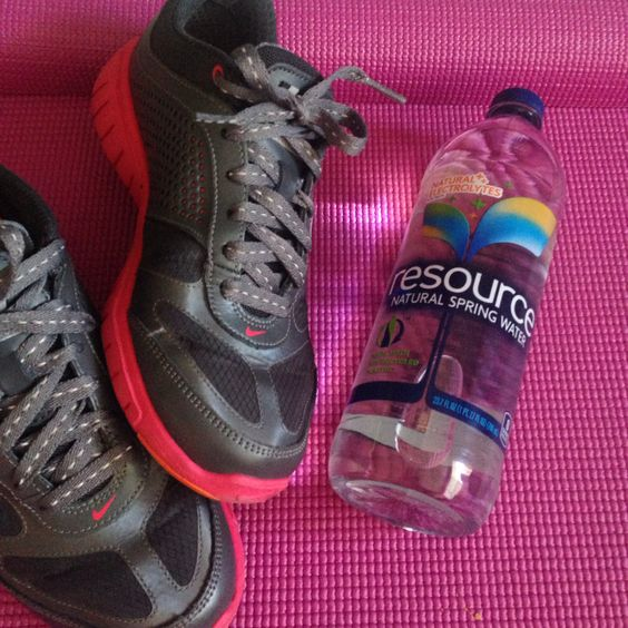 Nothing better than taking my shoes off and drinking a bottle of resource water at the end of my daily workout routine.   It's important to maintain hydrated to avoid headaches, slow metabolism, and much more symptoms that occurs when the body is dehydrated.   Received complimentary from @influenster for testing purposes   @resourcewater #refreshwithresource