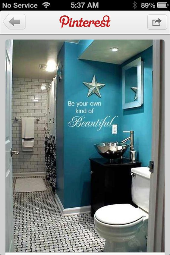 girls bathroom idea for the new house can we jack n jill it one on each end of the family. Black Bedroom Furniture Sets. Home Design Ideas