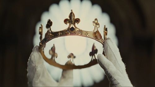 Image via We Heart It #crown #Queen #she'sbecomingaqueen