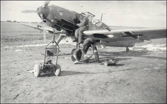 """Servicing of Messerschmitt Bf 109E-4 black chevron and bar """""""