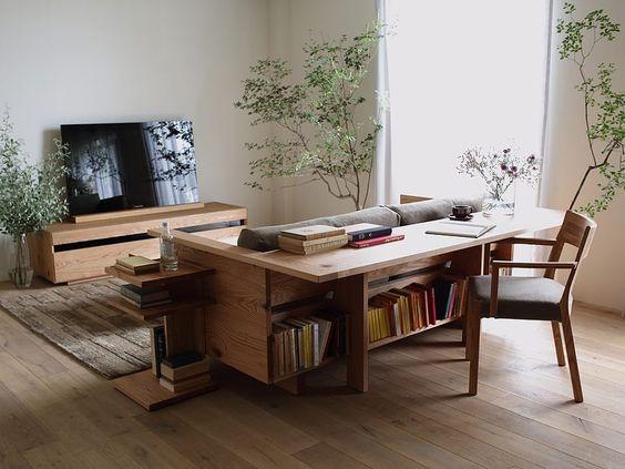 Ideia de sofá com mesa office acoplada da marca @hirashima_ins 💛 #ideiasdiferentes • Curta também @euteinspiro do #grupojsmais