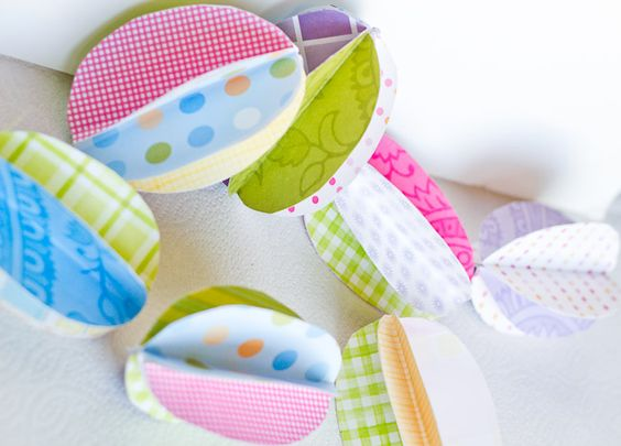 """Make an """"egg-stra"""" special 3D paper garland for Easter."""