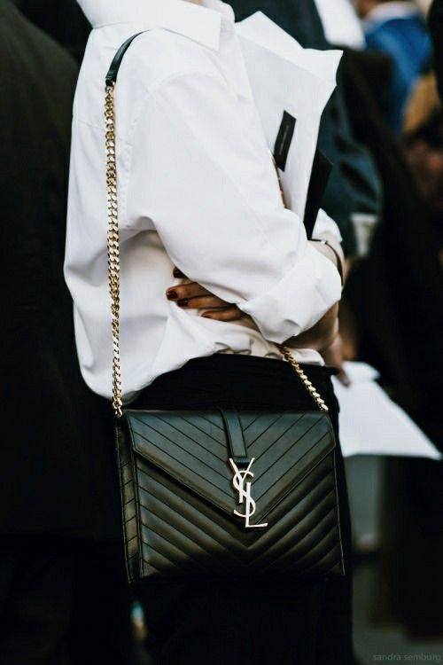 Pin By Constantina On Style In The Details In 2020 Street Style Bags Fashion Fashion Gone Rouge