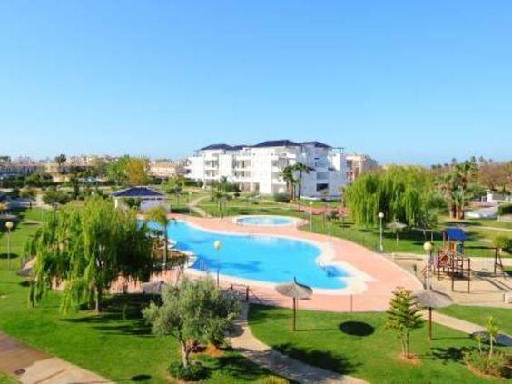 Apartamento en #Rota para 4 personas, en la urbanización de lujo situada dentro del campo de golf de Costa Ballena.