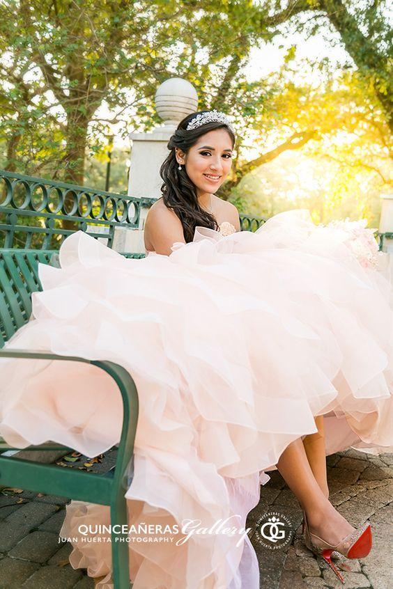 Pin De Pilar Chasman En Quince Quinceanera Dresses 15 Vestidos De Quinceañera Fotos De Quinceañeras