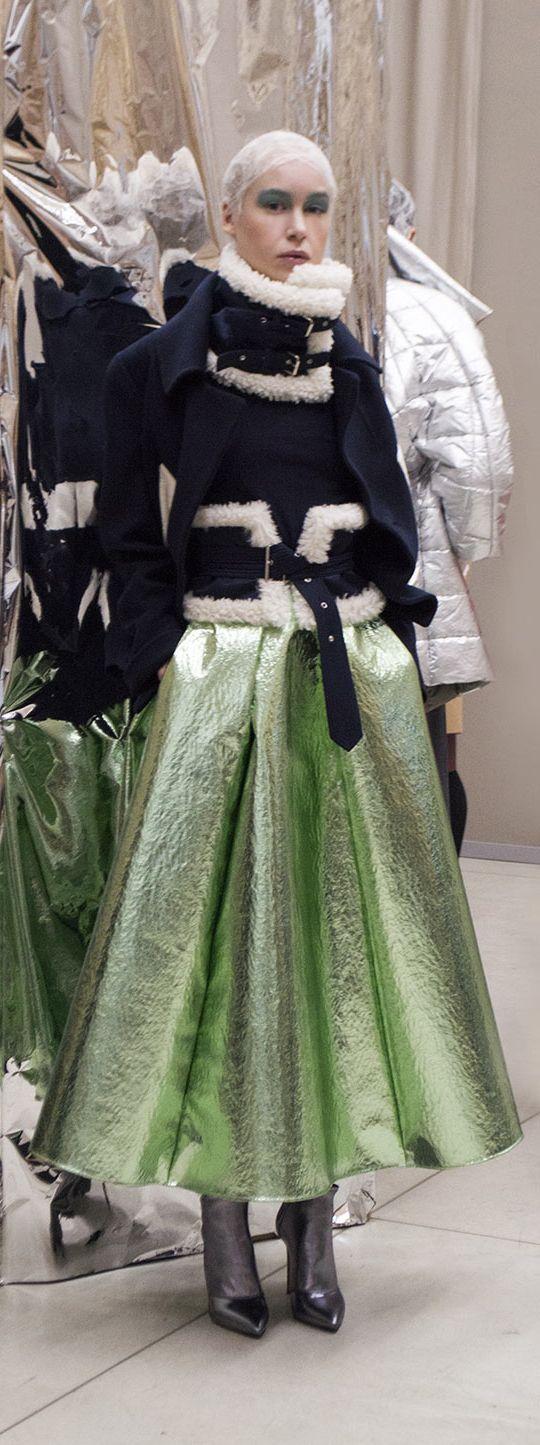 Laura Strambi Fall 2017 - Milan Fashion Week. Clique e confira a coleção completa. Photo by @manuluize