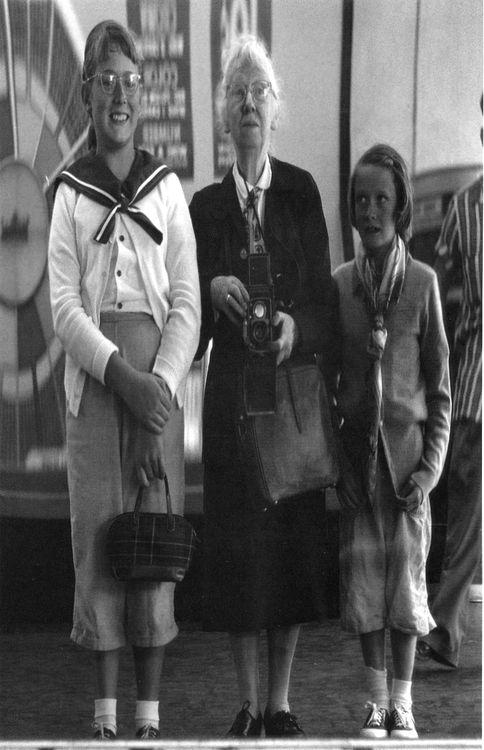 1955. Imogen Cunningham - Self-portrait with Grandchildren in Funhouse