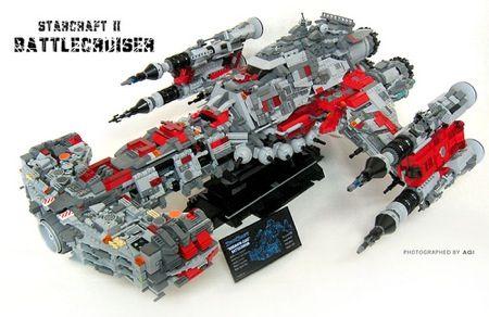 Lego Spaceship - Starcraft II Battlecruiser. This is too EPIC!