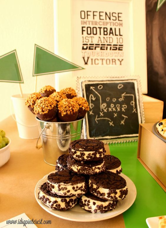 I Dig Pinterest: Super Simple Football Party Ideas #GameTimeGoodies