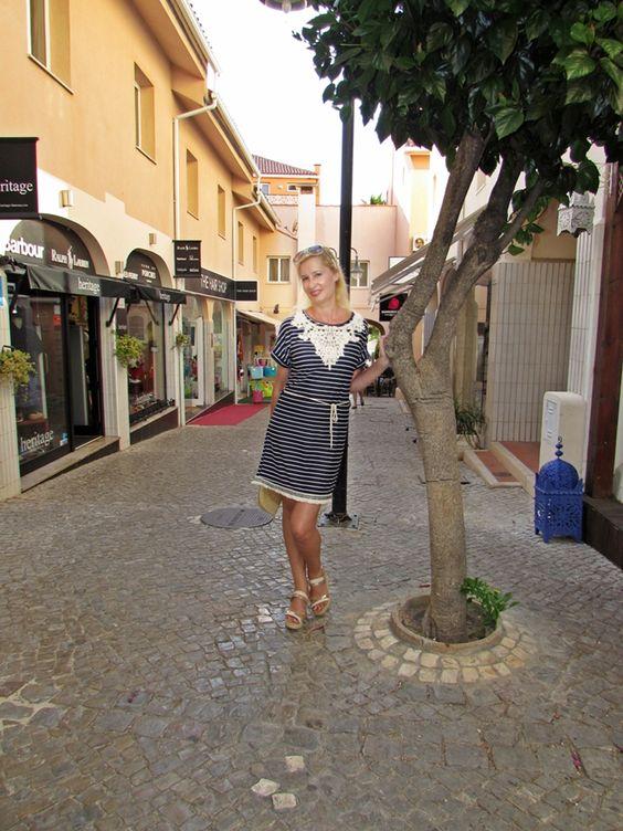 http://inoutstyle-carlacristina.com/2016/09/12/en-vilamoura-con-vestido-brave-soul/
