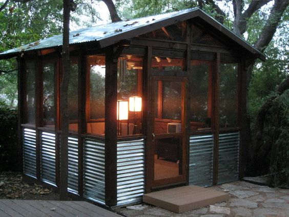Screened porch lights like the tin as a wainscot lean to off the back porch exterior ideas - Screen porch roof set ...