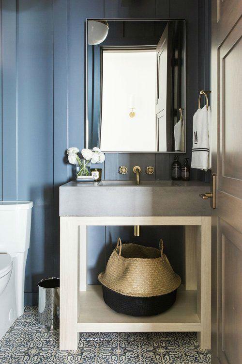 Une Maison Contemporaine Dans Les Montagnes Americaines Maison Contemporaine Idees De Salle De Bain Bleu Interieur
