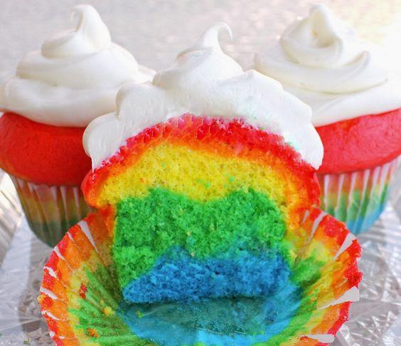 Cupcake Arco-Íris - Amando Cozinhar - Receitas, dicas de culinária, decoração e muito mais!