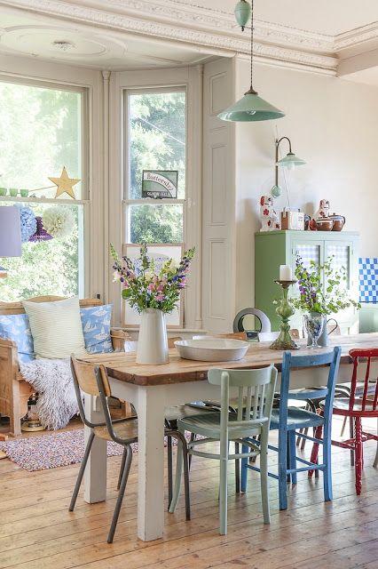 Maison dans la campagne Anglaise en couleurs pastels