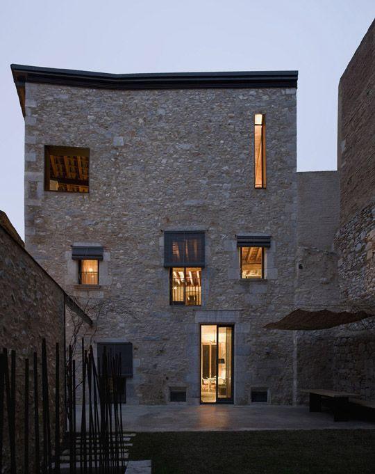 Une maison en pierre ultra chic : comment est l'intérieur #architecture #house