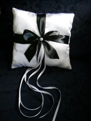 Handmade Ring Pillow by Pick Me Flowers by Rebecca's Garden