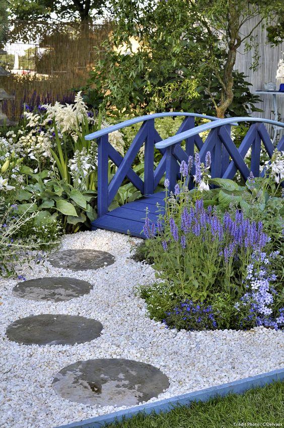 Un jardin bleu de chine recherche for Jardin chinois miniature