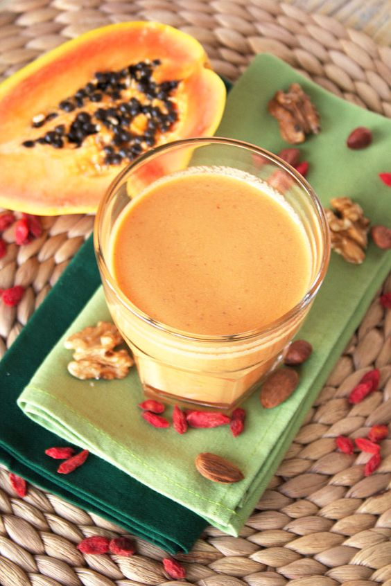 Cinco Quartos de Laranja: Depois do treino: Batido de papaia com frutos secos e bagas goji