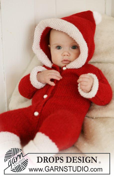 """My First Christmas - DROPS Weihnachtsstrampler mit Kapuze in """"Alpaca."""". Mit 2 Fäden gestrickt. - Gratis oppskrift by DROPS Design"""