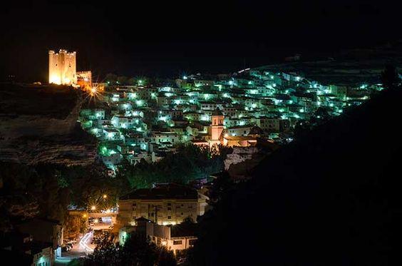 Alcalá del Júcar, Castilla-La Mancha. Los 17 pueblos más bonitos de España | Skyscanner