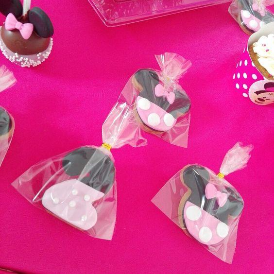 #aljali #bucaramanga #cake #tortas #cupcakes #cakepops #candybar #pasteleriabucaramanga #colombia Carrera 34#34—26 prado tel 6344793 cel y whatsapp 3015250243. #minniemousecookies