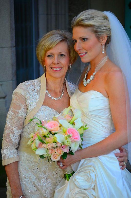 Monique Lhuillier BL 0915 Real Weddings 1