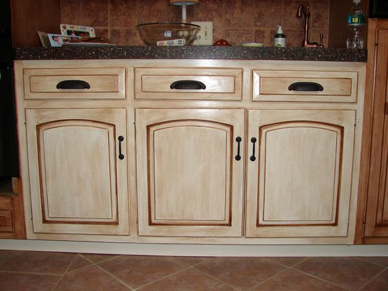 Country Style Kitchen Cabinets  Detailed View Of The Distressed Entrancing Distressed Kitchen Cabinets Inspiration
