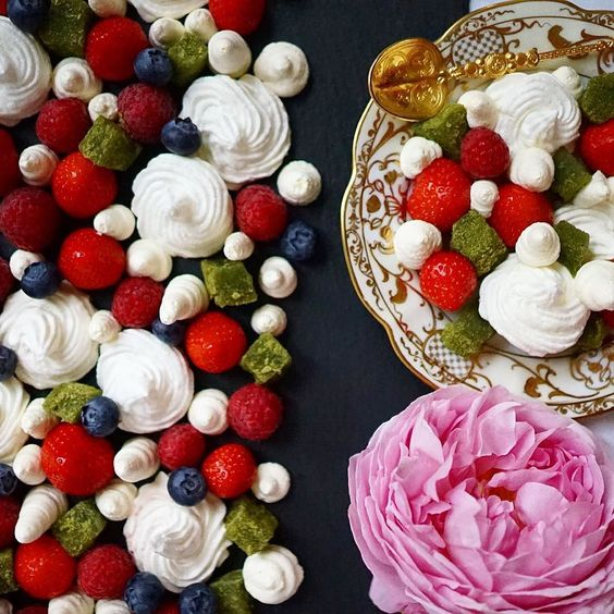 NEW BLOG POST UP! Super easy deconstructed Eton Mess recipe to fuel those long summer nights  #newblogpost #foodie #foodblogger #foodpassion #fashionista #etonmess #deconstructed #dessert #pudding #rose #roses #flowers #summer #summertime #summerfood #follow #yum #yummy #nomnom #hungry #recipe #luxury #style #homemade #instagood #instafood #foodpics #sexyfood