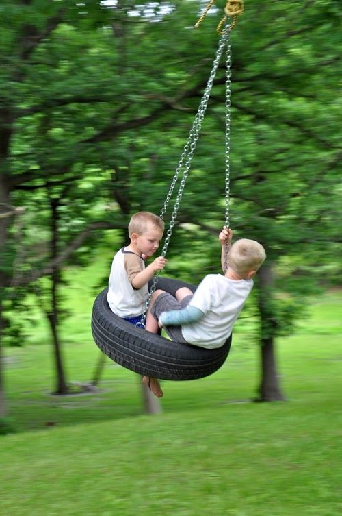 DIY - Old Fashioned Tire Swing - Creative DIY Ideas