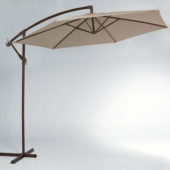 Parasol rond, bras déporté, avec socle