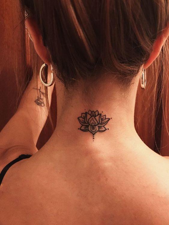 14+ Tatouage fleur de lotus bas du dos ideas