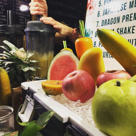 Get a fresh made #Juice at the #Nightmarket. #ChiangMai #Thailand #Asia #Fruits