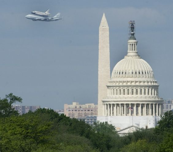 The last flight of space shuttle Discovery before it lives out its life at the Smithsonian Air and Space Museum.    Mark Gail / THE WASHINGTON POST