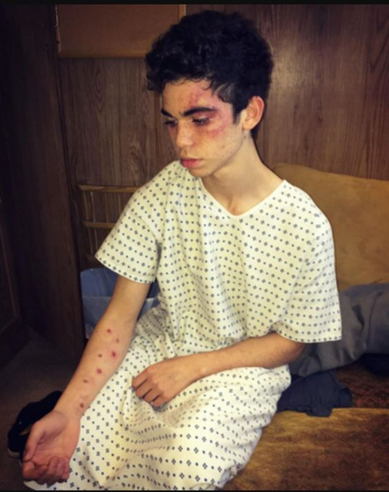 """Read Cameron Boyce Imagines - """"He's in the hospital"""" - Wattpad plase tell me this is make up"""