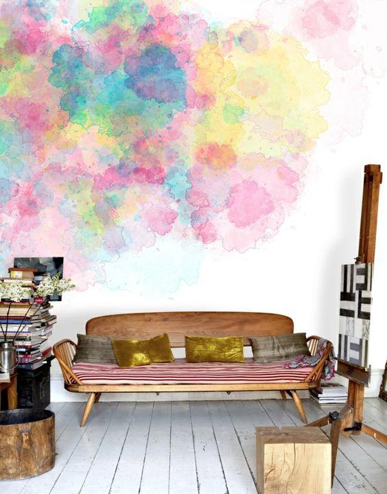 Kreative Wandgestaltung mit Wasserfarben für ein kunstvolles ...
