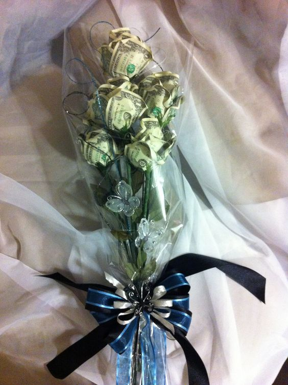 Graduation Money Rose Bouquet