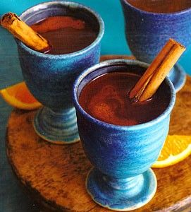 A delicious recipe for Spanish Chocolate, with milk, chocolate, cinnamon and egg