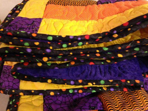 Halloween Quilt #DebStrain, #polkadot #funbinding