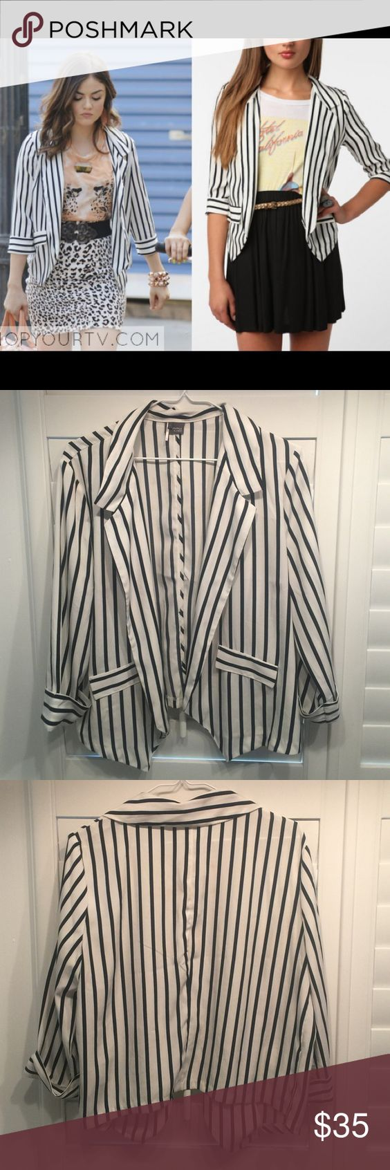 Like new Urban Outfitters striped drapey blazer Like new Black and white striped lightweight drapey blazer/jacket from Urban Outfitters. 100% Polyester 3/4 sleeves. Would be cute with a band tee and statement necklace. Sparkle & Fade Jackets & Coats Blazers
