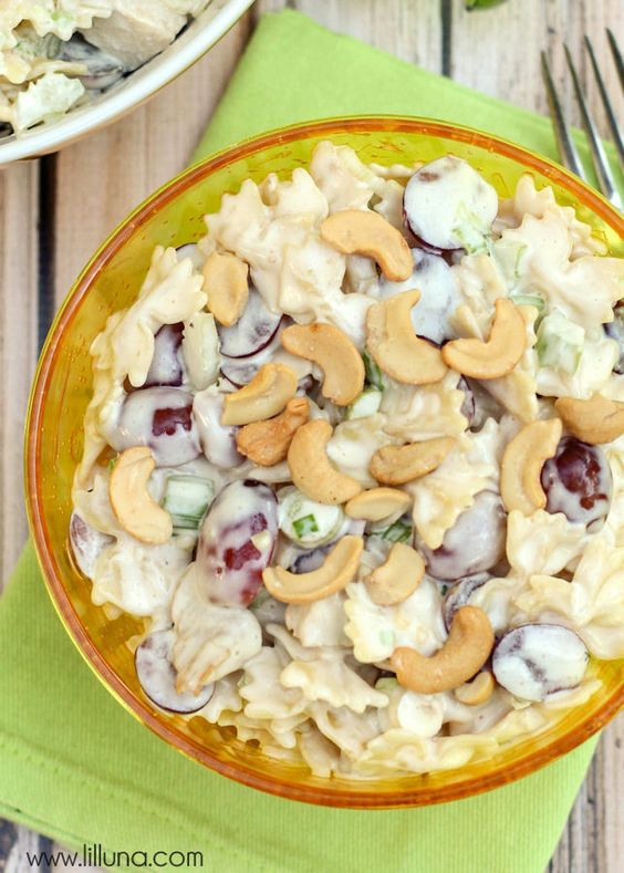 Delicious Cashew Chicken Pasta recipe - perfect for parties or get togethers! { lilluna.com }