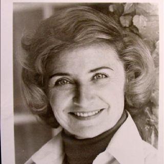 Looks just like my grandma!!!! (Estelle Getty)