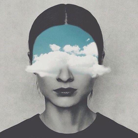 imagen mujer con nubes en los ojos