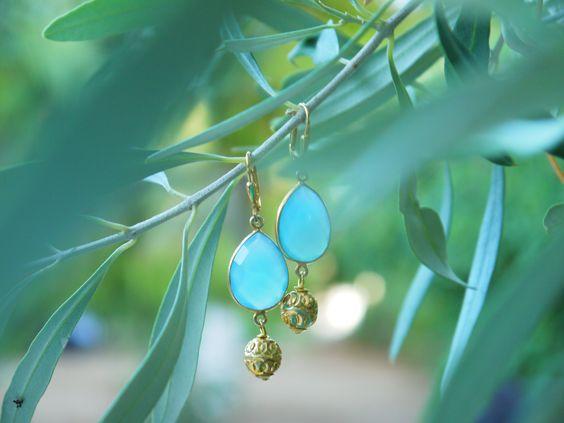 Ohrringe für den Sommer mit Chalzedon und Silber vergoldet von Perlotte Schmuck www.perlotte.de