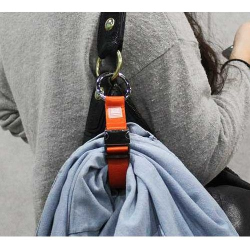 A simple way to carry your Jacket