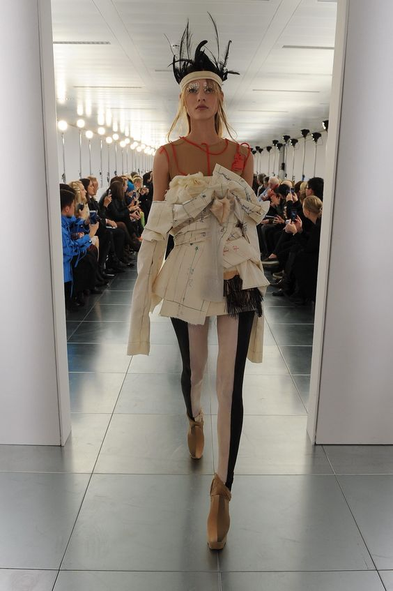 Maison martin margiela spring 2015 couture runway spring for Akay maison de couture